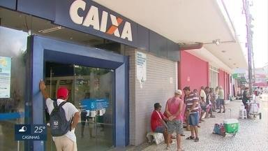 Em Pernambuco, cerca de 44 mil trabalhadores têm direito ao saque do PIS/Pasep de 2016 - Tem direito o trabalhador que foi inscrito no PIS/Pasep há pelo menos cinco anos, trabalhou com carteira assinada por ao menos 30 dias e recebeu, em média, até dois salários mínimos.