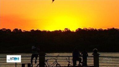 Confira goianos que aproveitam férias em Aruanã - Beira do Rio Araguaia é uma das principais atrações do estado em julho.