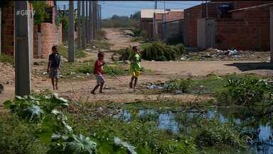 Alguns bairros de Petrolina não contam com o serviço de saneamento básico completo - Um desses bairro é o São Joaquim.