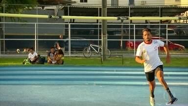 Atleta paralímpico, Jeohsah se prepara para competir entre atletas olímpicos - Atleta paralímpico, Jeohsah se prepara para competir entre atletas olímpicos