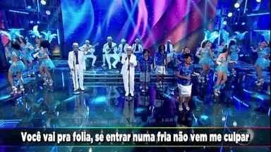 Monarco e Velha Guarda da Portela colocam todos para cantar o sucesso 'Vai Vadiar' - O sambista anima a plateia do Domingão