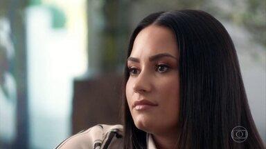 Antes de ser internada, Demi Lovato usou droga contra efeitos da heroína - Na terça-feira (24), uma ambulância foi até a casa da cantora, em Los Angeles.A festa tinha começado em um bar e acabado na casa de Demi. Amigos que estavam com ela na hora do chamado a medicaram com Narcan,um remédio para cortar efeitos de drogas.