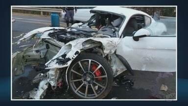 Dois morrem em colisão seguida de capotagem na região de Campinas, SP - Vítimas haviam deixado festa e a suspeita é de que carro estava em alta velocidade.