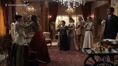 Confira os bastidores da cena em que Elisabeta rasga o vestido de noiva de Susana - Este já é o segundo vestido de noiva rasgado em 'Orgulho e Paixão'. Confira um top 5 de vestidos rasgados em outras novelas!