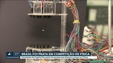 5 estudantes do ensino médio ganham medalha de prata em competição de física na China - Disputa envolveu 32 países. 3 jovens do estado de São Paulo representaram o país na prova.