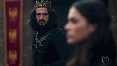 Afonso depõe no julgamento - Catarina insiste em tentar desmentir todas as testemunhas. Amália chega no final do depoimento de Afonso