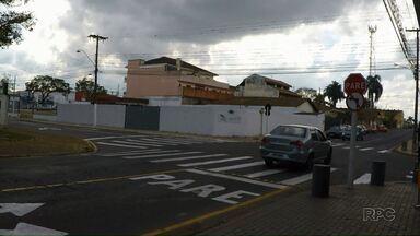 Moradores pedem mais sinalização em alguns cruzamentos de Ponta Grossa - Um dos casos é no cruzamento das ruas Júlia Vanderlei com a Sete de Setembro.