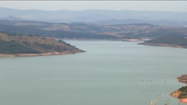 Reservatório de Furnas tem menor nível para julho em 17 anos - Há mais de dois meses não chove na região