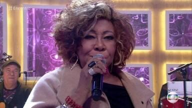 Alcione canta 'Estácio, Holly Estácio' - Cantora comemora indicação ao Prêmio da Música Brasileira