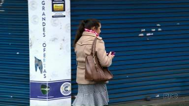 Em média, cinco pessoas têm celulares roubados por dia em Ponta Grossa - Duas pessoas foram presas na noite de quarta-feira (08) por roubo de celular.