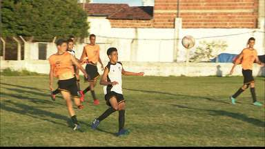 Alunos do projeto de Victor Ferraz vão jogar na base do Corinthians e Internacional - Dois atletas do projeto VF4 vão jogar na base de times grande do país