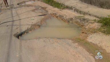 Fala Comunidade: Buracos e lamaçal é motivo de reclamação de moradores de Manaus - Falta de infraestrutura afeta motoristas e pedestres.