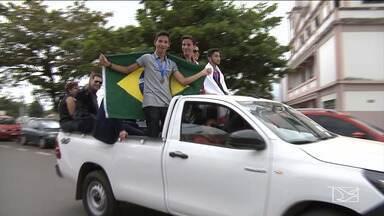 Alunos maranhenses recebem medalha na Olimpíada Internacional de Matemática - Os quatro alunos do IFMA foram recebidos com festa em Santa Inês nesta quinta-feira (9).