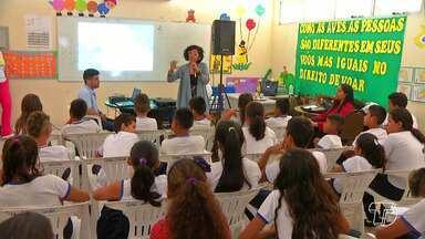 Projeto 'Viva a Vida' leva palestra sobre bullyng na escola - Etapa desta quinta-feira (09) foi desenvolvida na Escola Municipal Santo André.