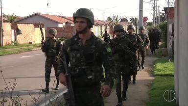Trinta pessoas são presas em mega operação contra o tráfico em Campos, no RJ - Assista a seguir.