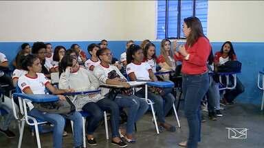 Dia do Estudante é comemorado em Imperatriz - Alunos de uma escola de ensino médio puderam participar de uma palestra sobre os problemas que surgem na adolescência.