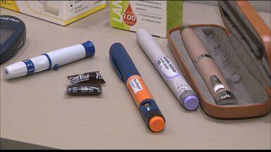 Pais de crianças com diabetes estão denunciando a falta de medicamentos na rede pública - A insulina e as fitas usadas para medir o nível de glicose no sangue são fundamentais para quem é diabético.