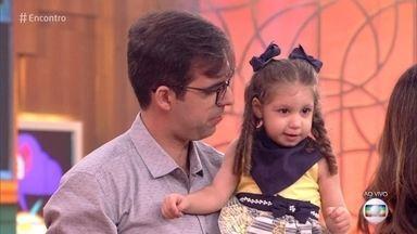 Catarina, que nasceu com microcefalia, surpreende pais e médicos - Caso de Catarina virou referência na medicina