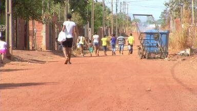 Moradores reclamam da falta de pavimentação na região sul de Palmas - Moradores reclamam da falta de pavimentação na região sul de Palmas