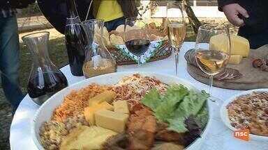 Festa do Vinho reúne gastronomia típica e atrações musicais em Urussanga - Festa do Vinho reúne gastronomia típica e atrações musicais em Urussanga