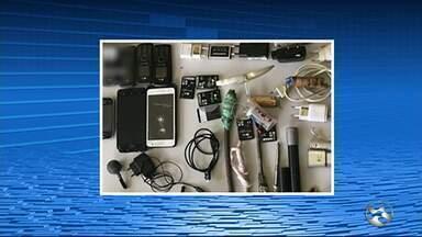 Agentes penitenciários apreendem droga dentro de presídio em Santa Cruz do Capibaribe - Um quilo de maconha e 50g de cocaína foram arremessadas para dentro da unidade.
