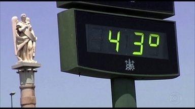 Calor castiga Europa; Nasa diz que 2018 já é um dos anos mais quentes da história - Na Alemanha, faltou cerveja; na Áustria, distribuíram desodorantes nos trens; na Suíça, preocupação era com vacas. No Brasil, teve granizo em Rondônia, chuva em Brasília e 38°C em Cuiabá.