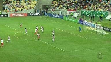 Inter vence o Fluminense por 3 a 0 no Maracanã - Colorados marcaram os 3 gols no primeiro tempo da partida.