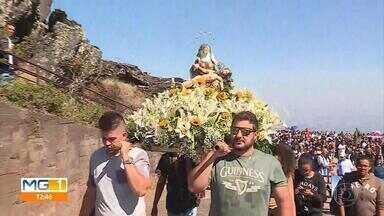 Santuário da Serra da Piedade fica lotado para comemorar Assunção de Nossa Senhora - Milhares de fiéis participaram de procissão em devoção à santa.