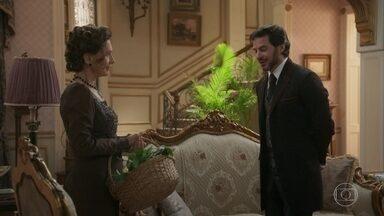 Lady Margareth, Josephine e Xavier comemoram a vingança feita à Mariana - Margareth conta que fará uma visita aos Benedito