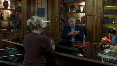 Mariacarla conversa com Amadeu sobre a Ilha Vermelha - Amadeu quer o problema da Ilha Vermelha seja resolvido