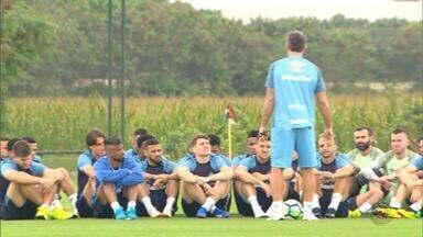 Com reforços de seleções, Grêmio enfrenta Corinthians no sábado (18) - Everton convocado para a Seleção Brasileira e Kannemann para a Seleção Argentina.
