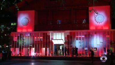 46° Festival de Cinema de Gramado começa nesta sexta-feira (17) - Evento conta com mais de 40 filmes, catorze longas nacionais e estrangeiros, além de curtas-metragem.