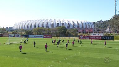 Ainda sem Guerrero em campo, Inter enfrenta o Paraná neste domingo (19) - A partida acontece a partir das 11h, no estádio Beira-Rio.