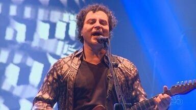 Frejat apresenta turnê 'Tudo se transforma' e faz retrospectiva da carreira durante show - Evento teve ainda Humberto Gessinger e clássicos do rock internacional interpretados por artistas amazonenses.