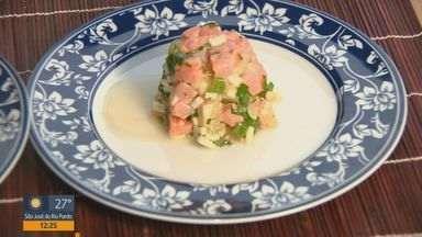 'Prato Feito': aprenda a receita de Tartar de Salmão - Nessa semana Kassab traz receitas que levam o peixe como ingrediente principal.