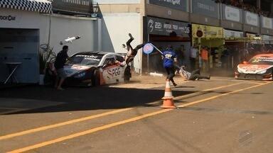 Três pessoas ficam feridas em prova da Stock Car Light em Campo Grande - Corrida foi disputada neste domingo. .