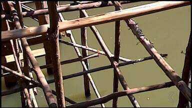 Ponte sobre Rio São João preocupa moradores em Ibiá - Pinguela improvisada é a única travessia de quem vive na região.
