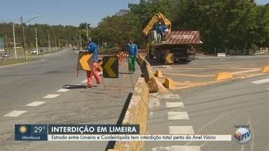 Estrada entre Limeira e Cordeirópolis tem interdição perto do Anel Viário - Prefeitura vai trocar tubulação de água no trecho. Obra deve durar três meses.