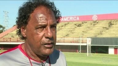 Luizinho Lemos assume comando com a missão de devolver América à elite do futebol carioca - Luizinho Lemos assume comando com a missão de devolver América à elite do futebol carioca
