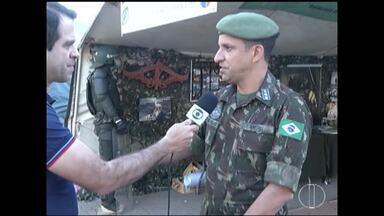 Exército promove ação social nesta quarta (22) em Montes Claros - Ação faz parte das comemorações do Dia do soldado; vários serviços são oferecidos de forma gratuita.