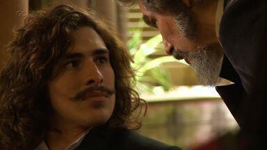 """Confira os bastidores da cena em que Bento reencontra Marocas e Dom Sabino - O mais novo """"descongelado"""" fica assustado com os novos tempos"""