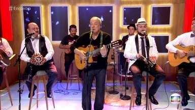 Toquinho e Demônios da Garoa cantam 'Tarde em Itapoã' - Confira!