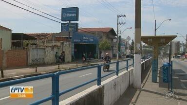 Corredor de ônibus da Avenida das Amoreiras é fechado temporariamente em Campinas - Trecho fica interditado para limpeza e pintura das 9h às 17h a partir desta quarta-feira (22).