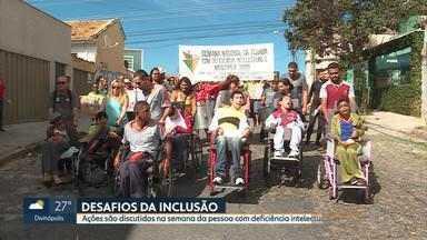 Pessoas com deficiência cobram direitos e fazem manifestação em Apae de Belo Horizonte - Desafio da inclusão é debatido durante a Semana Nacional da Pessoa com Deficiência Intelectual e Múltipla.