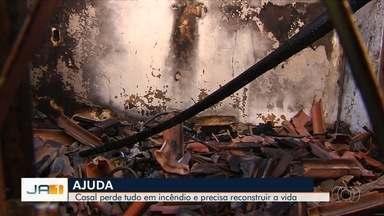 Casal luta para reconstruir casa destruída por incêndio em Goiânia - Eles precisam de ajuda para enfrentar esse momento difícil.