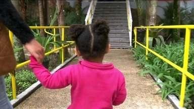 SP faz mutirão para estimular o reconhecimento de paternidade - Cinco milhões e meio de crianças no país não têm o nome do pai na certidão de nascimento, segundo o censo escolar.