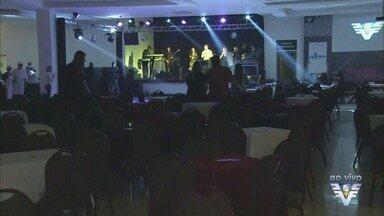 2ª edição do Baila Viver Bem ocorre neste sábado - Evento arrecadou mais de 1 t de alimentos em troca de ingressos.
