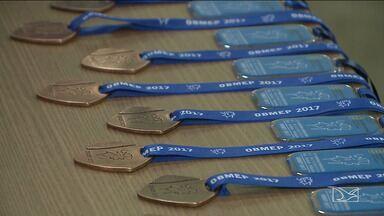 Alunos em destaque na Olimpíada da Matemática são premiados em Imperatriz - Eles receberam 24 medalhas que se dividiram entre ouro, prata e bronze.