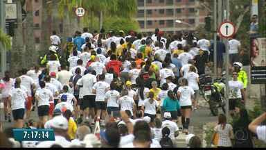 """""""Educar para viver bem"""": Corrida da UEPB agita as ruas de Campina Grande - Atletas profissionais e amadores de reúnem em mais uma prova na cidade"""