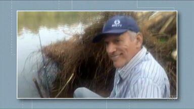 Familiares e amigos prestam últimas homenagens a Paulinho do Gralha Azul - O corpo do músico de Paranavaí foi sepultado hoje pela manhã.